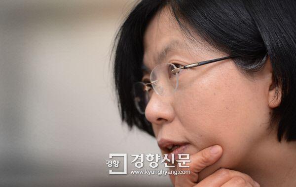 이정희 전 통합진보당 대표 정당 해산 후 첫 인터뷰 '진보의 죄인인가, 수호자인가' - 경향신문