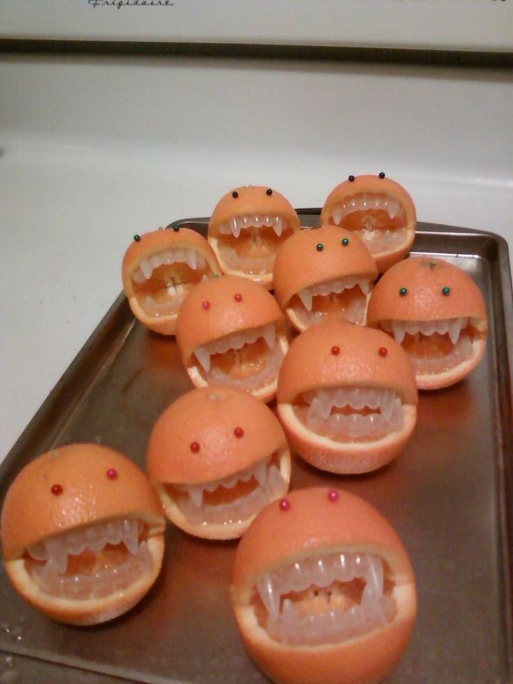 Halloween Blues: Oranges With a Little Bite - cute healthy alternative for a kid's party snack