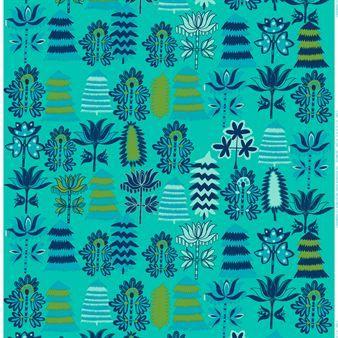 Marimekon värikkään Satumetsä-kankaan on suunnitellut Teresa Moorhouse. Se on saatavana kahtena kauniina värinä: roosana ja turkoosina.