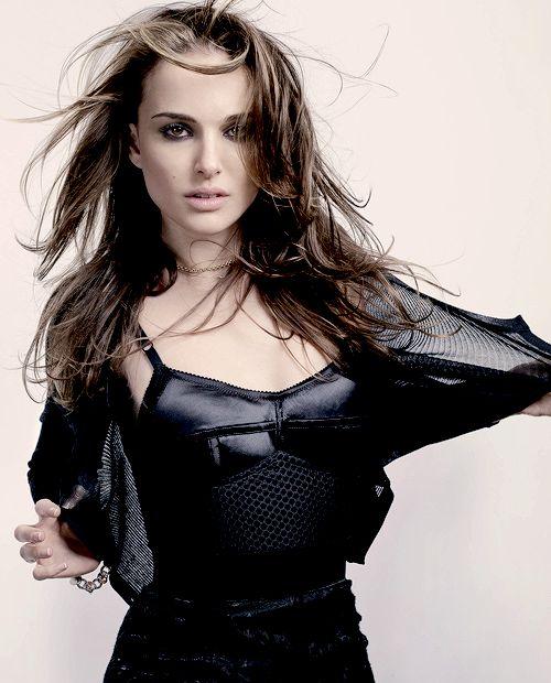 Natalie Portman - www.facebook.com/ILoveHotAndCuteCelebrities