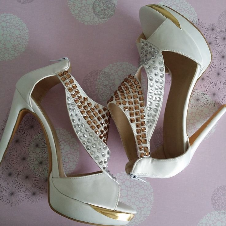 109.00$  Watch here - http://aligda.worldwells.pw/go.php?t=32435069743 - White Cute Cheap Beautiful Summer Sandals Rhinestone Comfortable Sandals For Women Peep Toe Fashion Shoes Online Comfort Shoes