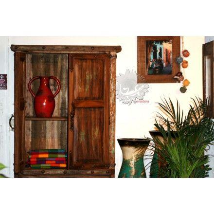 Mobilier en bois, disponible ou sur mesure, armoire en pin rustique