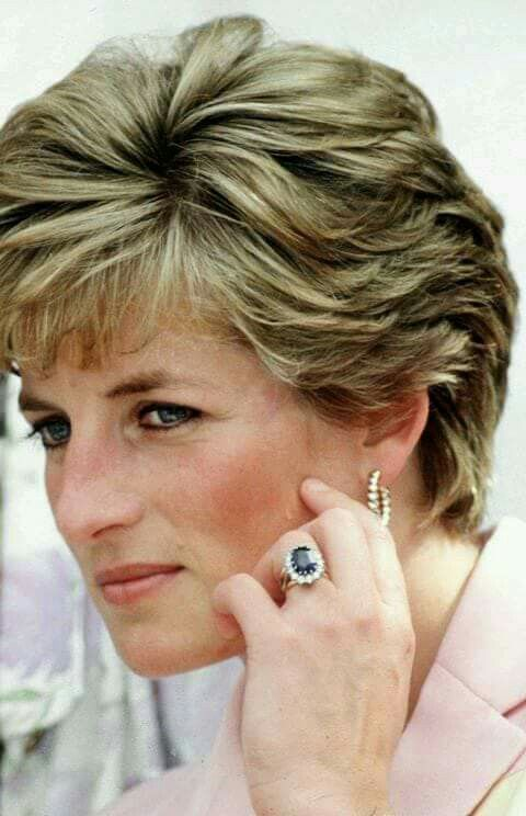 Princess Diana Wearing Her Shire Engagement Ring