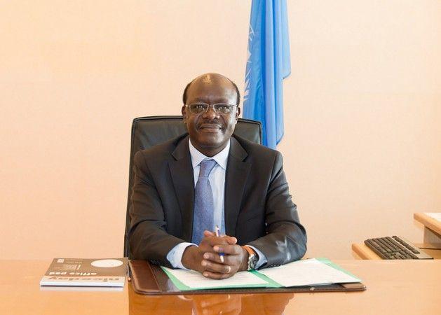 """Algunos individuos son hoy tan ricos como países enteros"""". [El secretario general de la UNCTAD, Mukhisa Kituyi, en su despacho.]"""