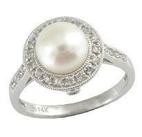 ohh yes! (Freshwater Cultured Pearl & White Sapphire Ring in 14K White Gold)