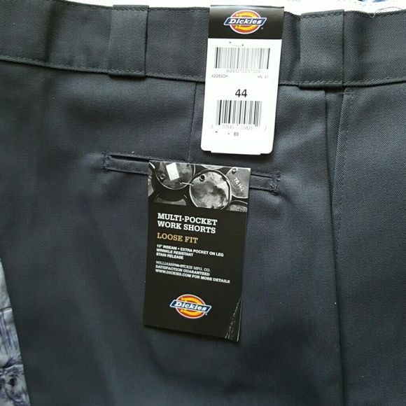 Dickies Mens work shorts Gray multi pocket work shorts loose fit.  As is. PRICE IS FIRM Dickies Shorts