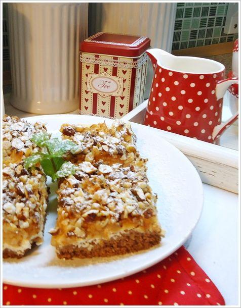 Janin blog: Něco ke kafíčku Jablkové řezy z drobenky