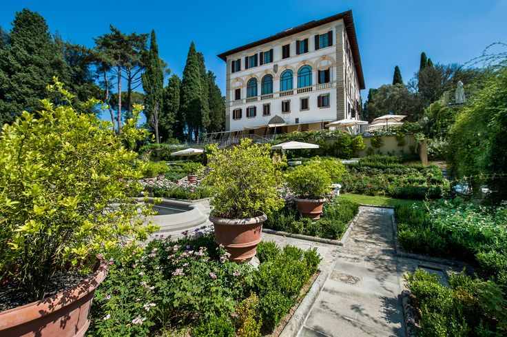 Italy in spring? Stunning! So why not experience the warm days of spring in style at Il Salviatino in Florence? Set in a restored 15th-century villa, the luxury hotel offers a special spring deal till the end of the month...