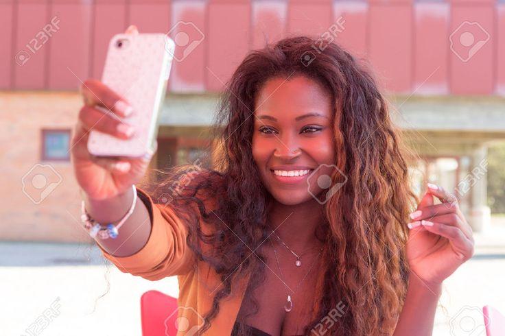 L'Afrique enregistre déjà les plus importants taux de croissance de la consommation des données mobiles. La tendance continuera jusqu'en 2021, selon Cisco, le fabriquant américain d'infrastructure télécoms qui vient de publier un rapport sur les prochaines tendances du flux des données mobiles en...