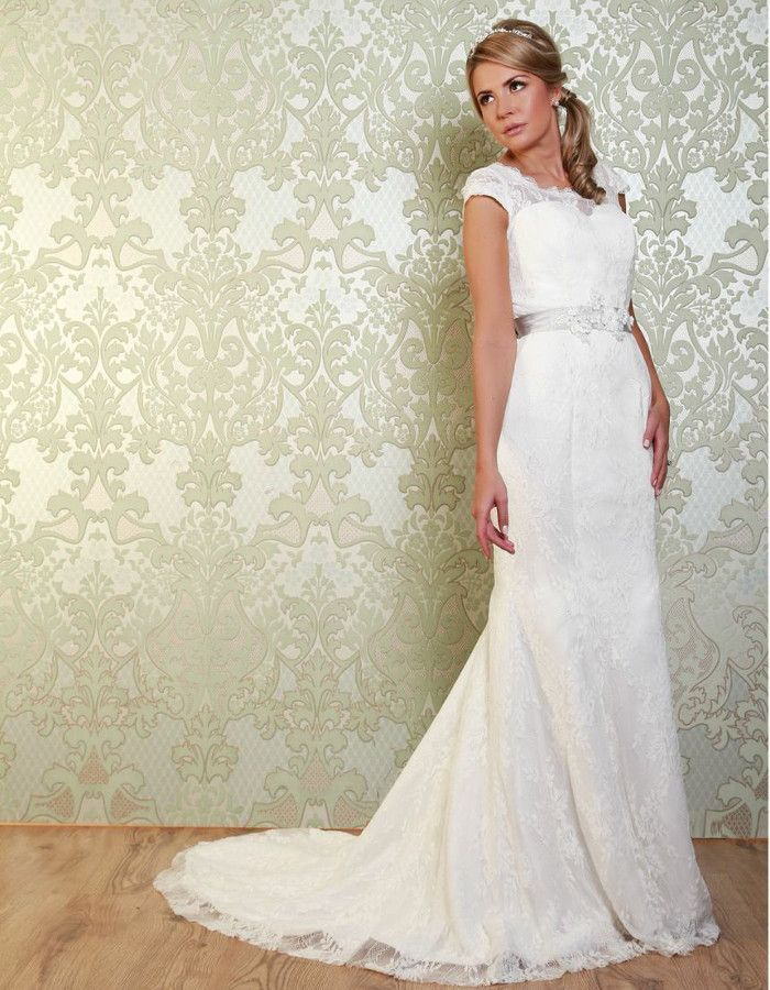 PAGE A delicate, full lace fishtail, with a beautiful neckline and stunning contrast satin sash. https://www.wed2b.co.uk/vintage-wedding-dresses/viva-bride-page.php