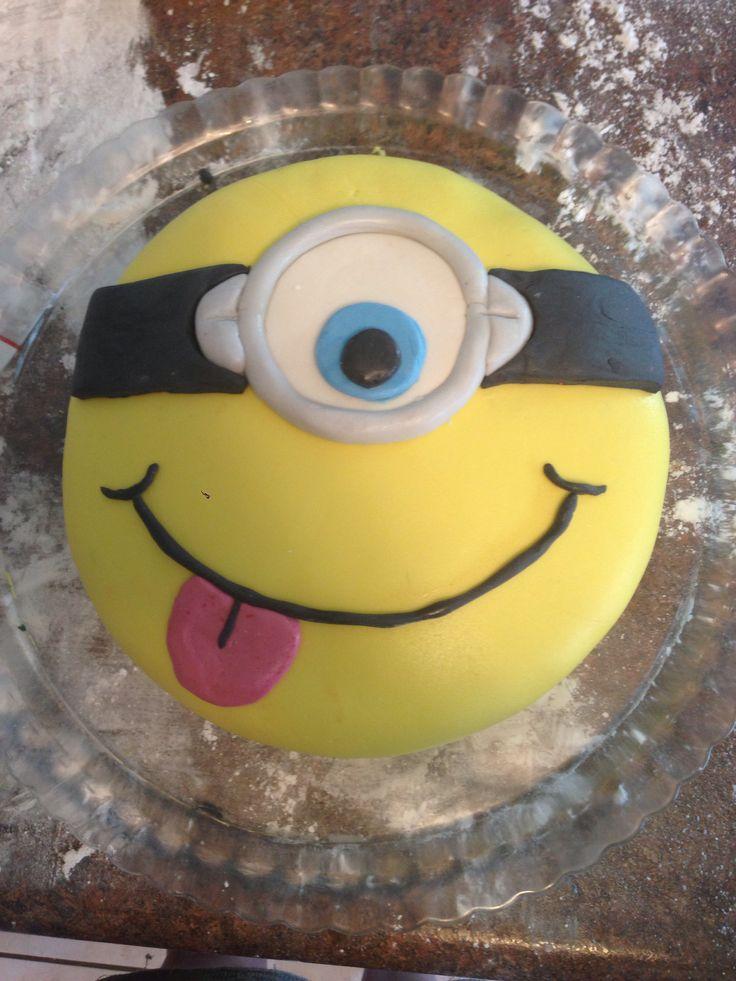 How To Bake A Minion Cake