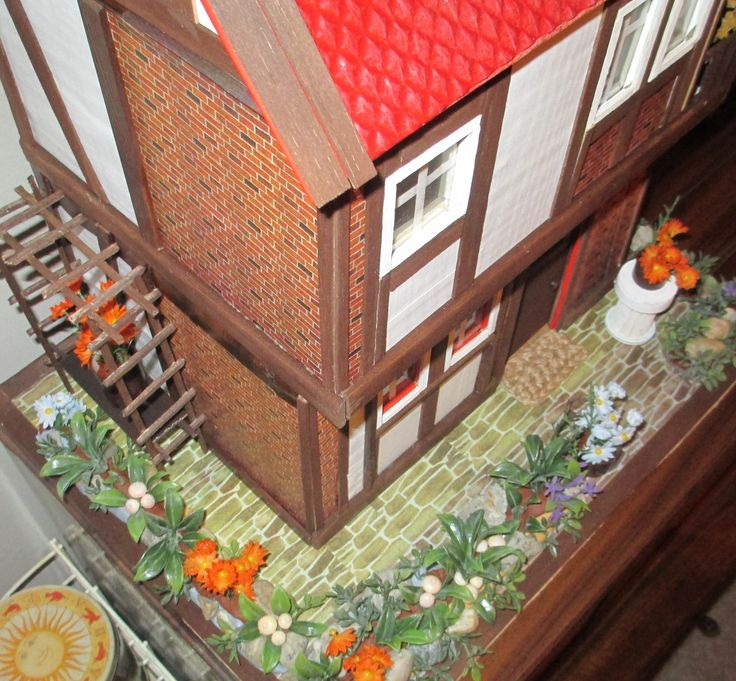Midsomer cottage - small garden is almost completed, I only need some small viny roses