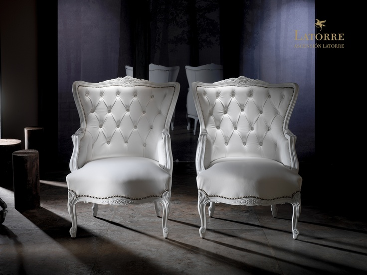 Elysee Chair.   Leather: Tango White.   Designed by GuillermoT