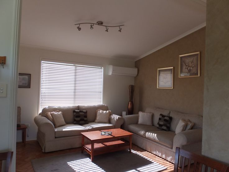 Blue Gum cottage lounge room