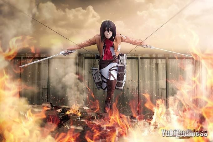 Awesome attack on titan cosplay