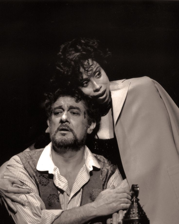 Plácido Domingo and Maria Ewing Tosca (1989) Photo Credit: Fred Ohringer