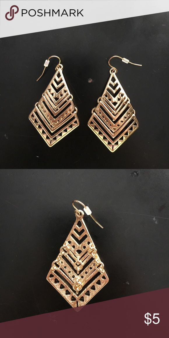 GOLD 3 TIER AZTEC EARRINGS Gold earrings with Aztec cutouts. Will be sanitized before being shipped!! Forever 21 Jewelry Earrings