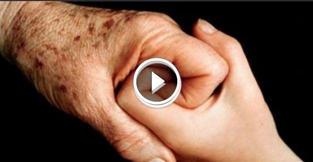 Ellerdeki lekeler nasıl yok edilir? Hiç bu kadar kolay olmamıştı! 5 Dakikada etki ediyor