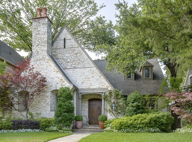 a charming house in Dallas.