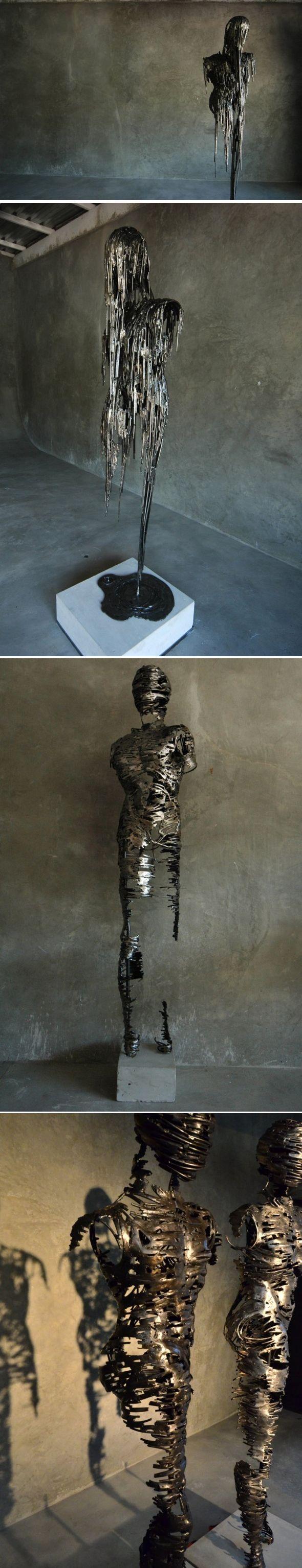 Une déstructuration corporelle    L'artiste Regardt van der Meulen basé à Johannesburg, a créé Drip and Deconstructed, une série de sculptures en acier forgé. Le corps humain avec sa force et sa fragilité se trouve au cœur de cette série, l'artiste exprime à travers ses oeuvres une illusion de sécurité et le concept de la crainte dans notre société moderne.    Il représente tout ça par des sculptures évasives, dégoulinantes ou qui se désagrègent,