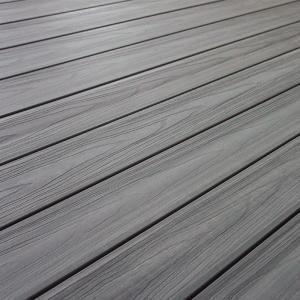 Deski Premium WPC dostępne są także w gamie szarości - Smoke White, Light Gray, Charcoal / Premium WPC profiles are available also in grey scale - Smoke White, Light Grey and Charcoal colors