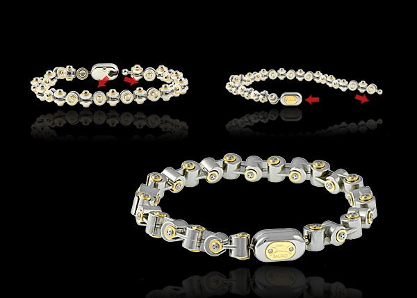 This stainless steel bracelet comes with 18k yellow gold and diamond logo.