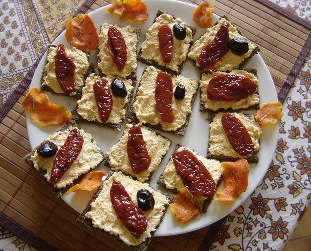 Pour impressionner vos invités, de petits crackers fait au déshydrateur.
