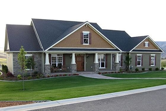 Craftsman 4 bedroom 3 car garage house plans for Homes with 4 car garages