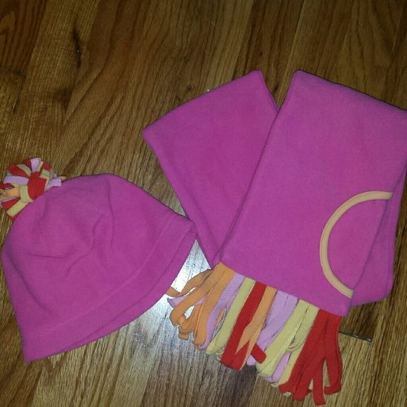 Gymboree Other - Gymboree winter hat and scarf set