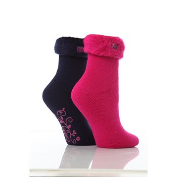Elle Cosy Soft Bed and Slipper Sock 2 Pair Pack Soft and cosy bed socks for when the weather gets colder. Great for sleeping in as well as wearing around the house as slippers. With grippy bottoms for less slipping. Shoe size 4-8 (37-42).