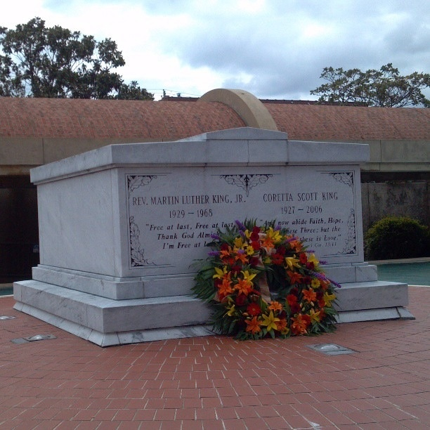 Martin Luther King Jr And Coretta Scott King S Grave Site At The