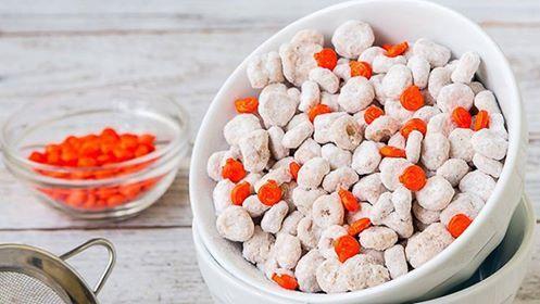 Cheerios Pumpkin Spice Puppy Chow Ingredients 1 1/4 cup powdered sugar 1 tbl…