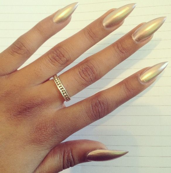 This is what I call a #BeautyNoNo there is NOTHING attractive at all about having wolverine nails!!! It's so damn ugly! If a dude tells you he likes this, he's lying out of fear of having his damn eyes clawed out!!!