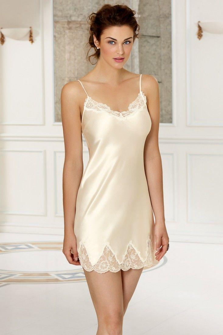 The Stellaaah Nude Vintage Nylon Slip /Ladies slip/Lingerie/nightie /by Lorraine/perfect fitting