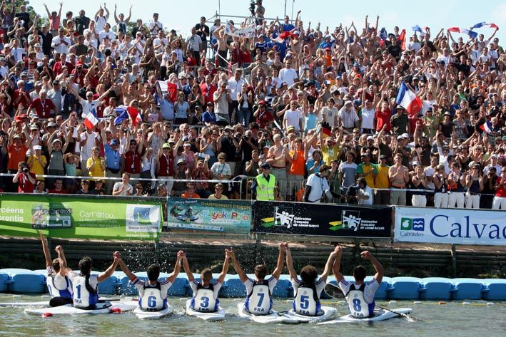 Rendez-vous du 22 au 28 septembre 2014 pour l'événement nautique mondial incontournable: Le championnat du Monde de kayak polo. A must see From the 22nd to the 28th of september 2014 the world nautical event : the world championship of kayak polo. Discipline combining the skills of both kayaking and handball kayak polo is a sport worth discovering! Action, emotion, sensation and conviviality are the program for the week in the heart of Normandy. Join us! www.thuryharcourtcanoe2014.com