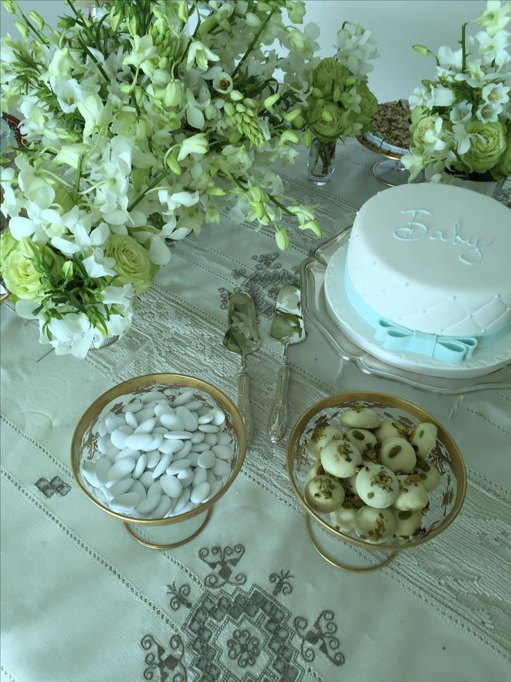 Baby shower -flowers - table setting