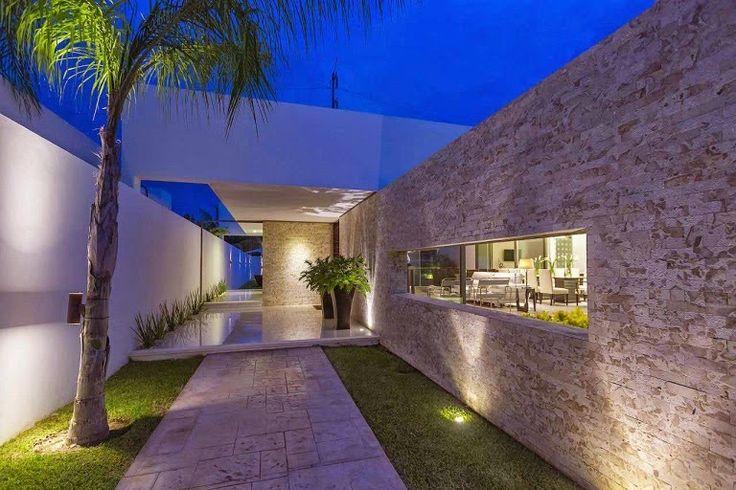 Moderna líneas puras minimalistas Casa Kopche / Grupo Arquidecture Yucatan, Mexico http://www.arquitexs.com/2014/06/arquitectura-minimalista-Casa-Kopche-mexico.html