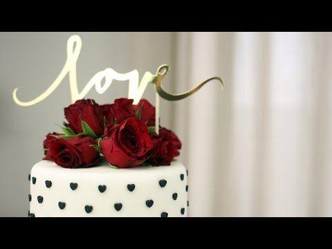 Jak dekorować torty żywymi kwiatami - ORCHIDELI - LOVE BEAUTY  Fresh flower cake, black and white with red roses. Love cake.