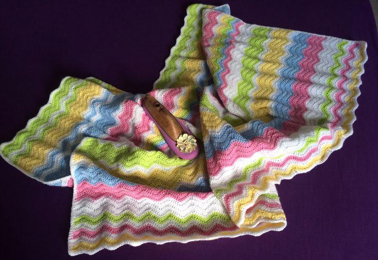 Manta para bebe realizada a croché
