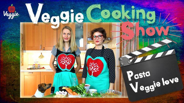 """In questa edizione di Veggie Cooking Show viene presentata """"Pasta Veggie love"""". La super supervisione viene assicurata dall'imperterrito Gran Chef Billy, detto anche Billicka, la mascotte di Veggie Channel http://veggiechannel.com/video/ricette-vegane-e-vegetariane/veggie-cooking-show-pasta-veggie-love"""