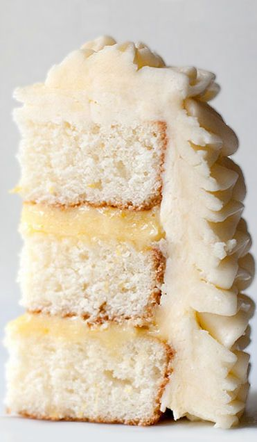 Lemon Layer Cake with lemon filling & swiss buttercream frosting <3