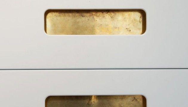 Pickylivings köksluckor: ritade av Anders Lagerström (Möbelsnickare Carl Malmsten) och Henrik Haij (Industridesigner LTH), väljer material som de själva skulle vilja ha hemma. Har ett utökat sortimentet med nya luckmått som IKEA inte tillhandahåller och dessutom gjort luckorna med mindre mellanrum än IKEA.