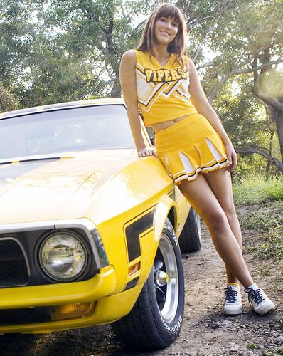 Mary Elizabeth Winstead, Grindhouse: Death Proof  Cheerleader fantasies and slick auto stunts (featuring additional hot babes) intersect in this Tarantino film.