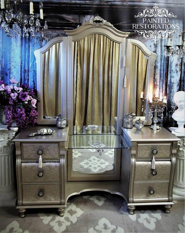 Vintage Vanity History How It Became The Modern Makeup Table Vanity Table Vintage Vintage Vanity Painted Vanity