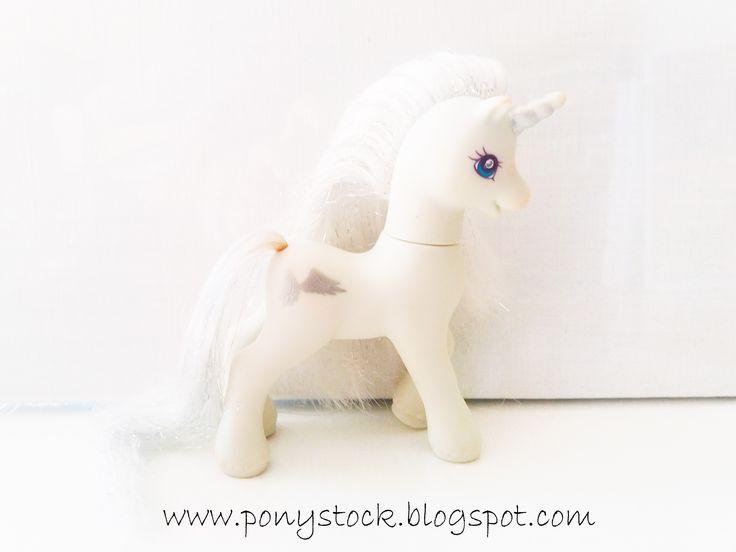 Silver Glow (Unicorn Ponies wth Magic Wings 2001) G2 My Little Pony Hasbro Vintage