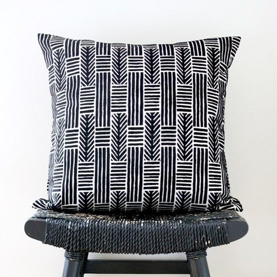 LINES AND ARROWS Linen Chenille Cushion Cover 45 x 45 cm