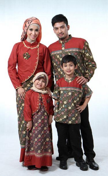 Semoga menjadi referensi serta inspirasi bagi Anda ketika hendak membeli busana muslim untuk keluarga agar tampil serasi dan harmonis.