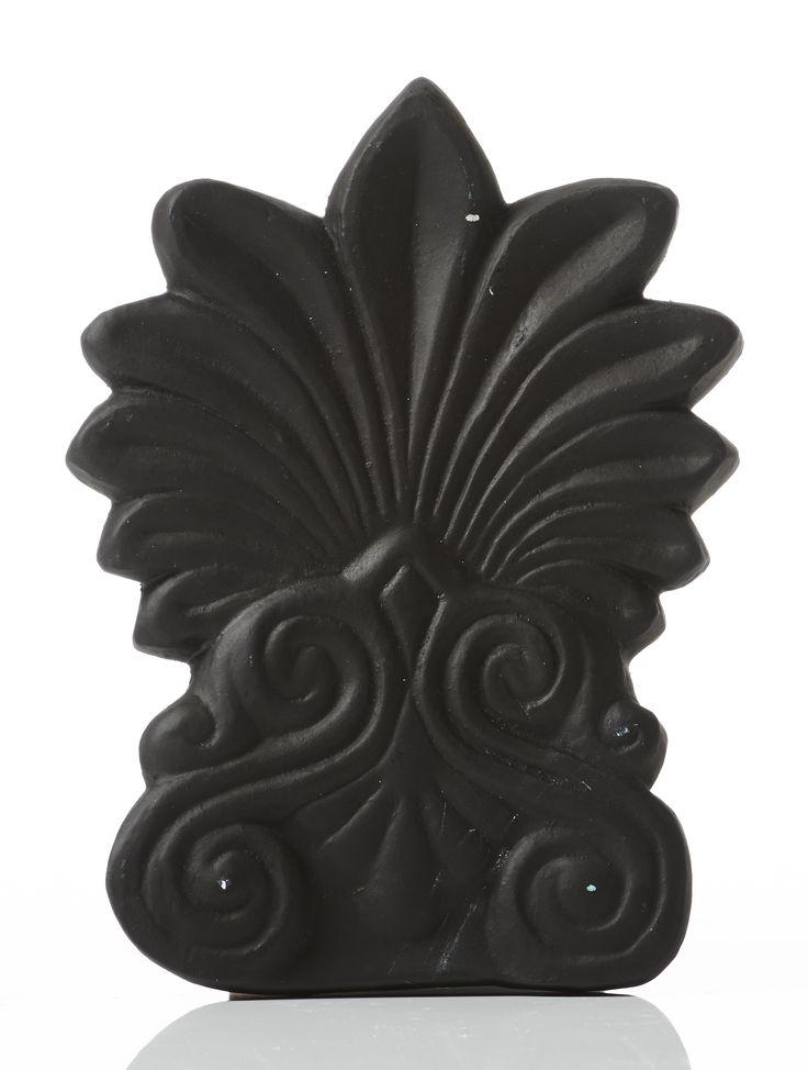 Akrokeramo Wall Small. Dimension: 17x12x2cm Material: Ceramine. Color: Black.