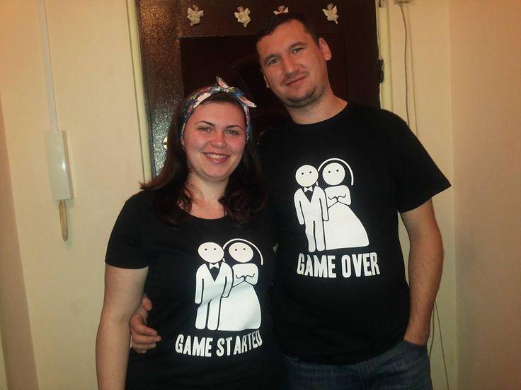 Vrei sa faci o surpriza partenerului tau? Vezi noile tricouri de cuplu si ofera un cadou personalizat de la Tiparo.ro>