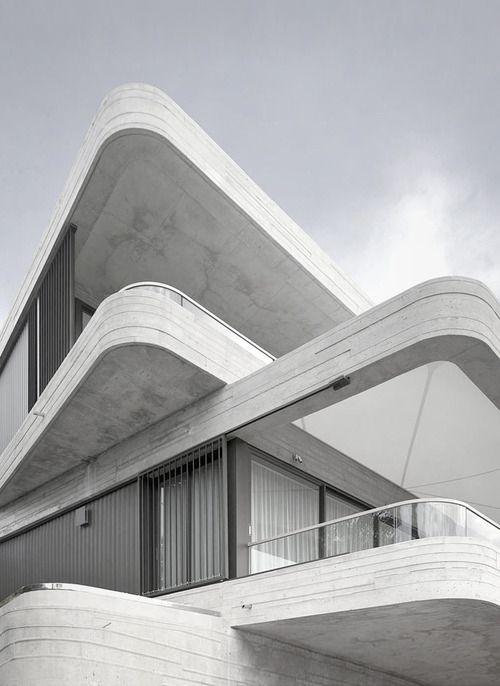 Gordons Bay House in Sydney, 2011   Luigi Rosselli Architects